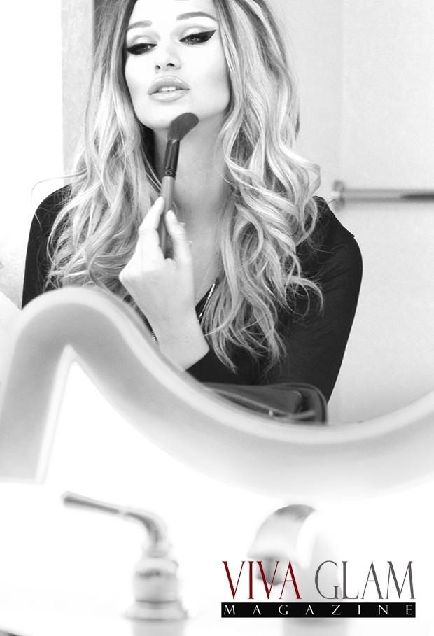 Black and White photo by Deja Jordan