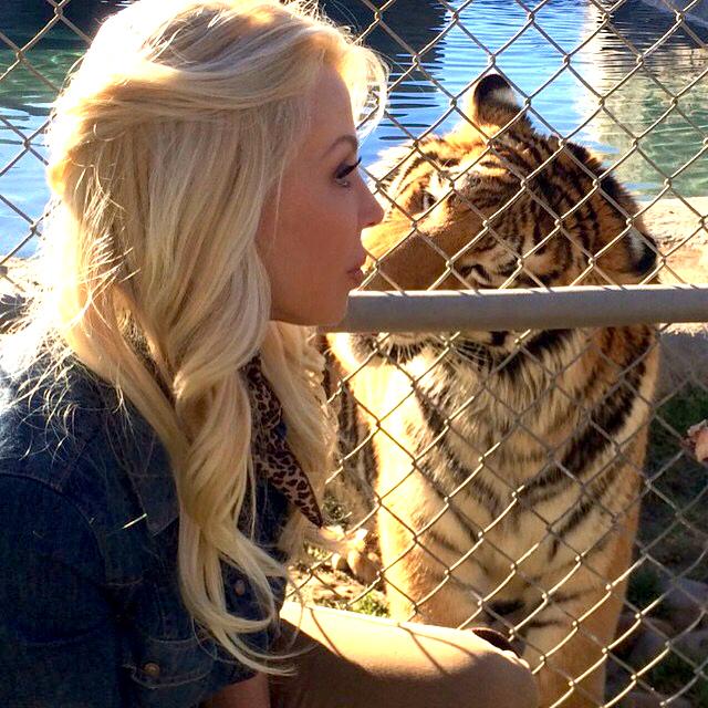 anicia bragg viva glam magazine lions tigers bears animal rescue sanctuary vegan living large
