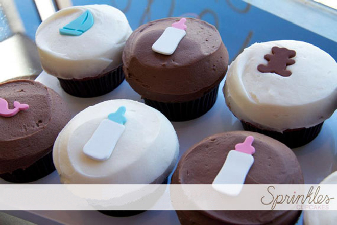 gender reveal parties cupcakes