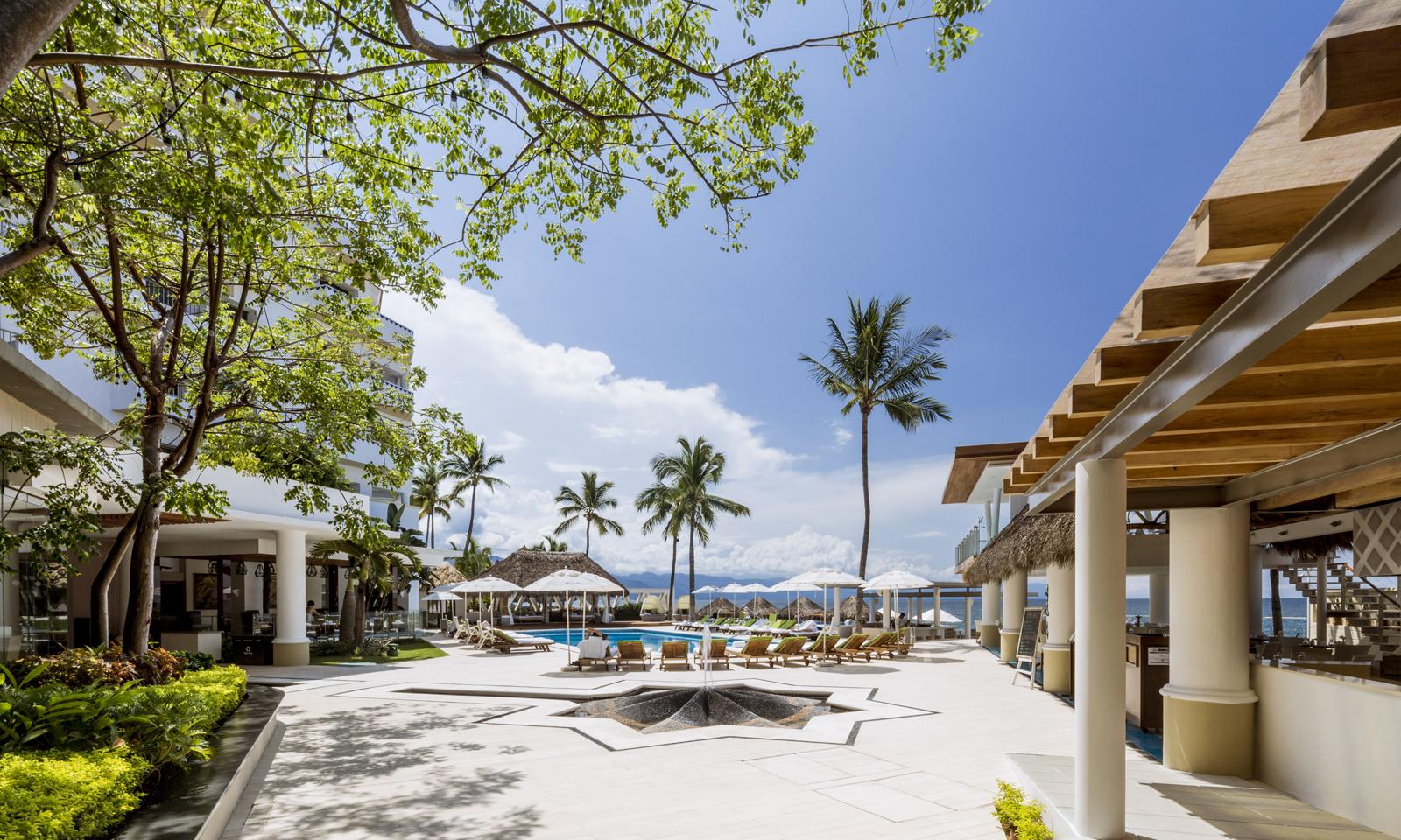 Villa-Premier-Puerto-Vallarta-Mexico-Pool-Perspective