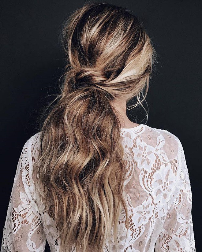22 Messy Ponytail Looks for Every Occasion messy ponytail twist