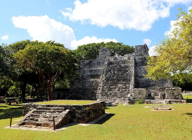 The Most Stunning Images of Mayan Ruins El Meco Ruins