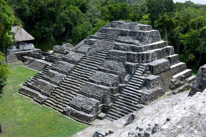The Most Stunning Images of Mayan Ruins Yaxha Ruins