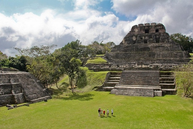 The Most Stunning Images of Mayan Ruins Xunantunich Ruins