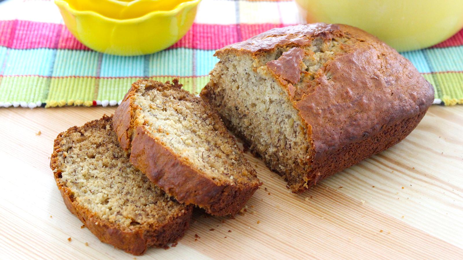 bread sliced How to Make Vegan Banana Bread main image