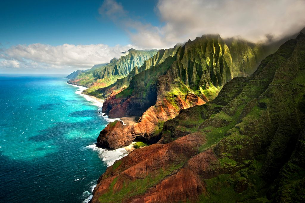 mountains_viva_glams_guide_to_the_hawaiian_islands_main_image.jpg