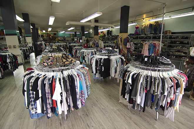 Buffalo-Exchange-Sherman-Oaks-Location