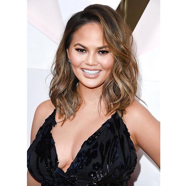 chrissy-teigen-red-carpet-hairstyle-hair-color-balayage