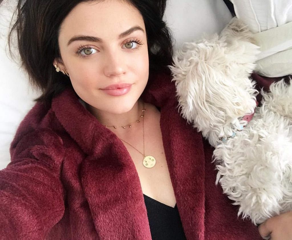 natural-makeup-lucy-hale-instagram-selfie-beauty
