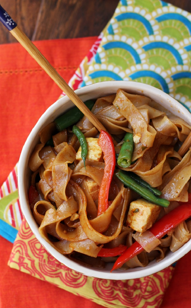22 Vegan Recipes to Enhance with Gochujang drunken noodles with tofu and peppers