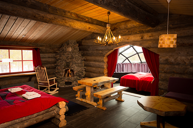 Kakslauttanen_Arctic_Resort_Kelo_Igloo_Interior