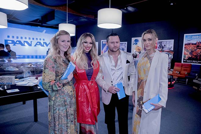 The_VIVA_GLAM_Team_at_the_Pan_Am_Experience_Malorie_Mackey_Katarina_Van_Derham_Holley_Wolfe_Oskar_Rivera