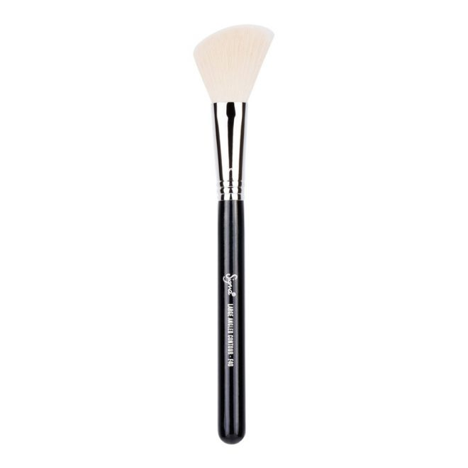 angled-blush-brush-guide-cruelty-free-makeup-cosmetics-brushes-sigma