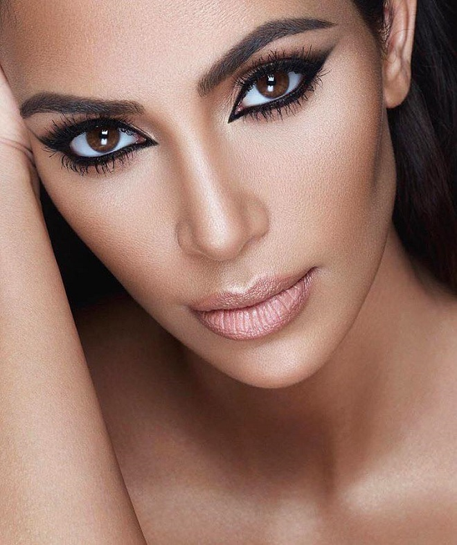45 of Mario Dedivanovic's Best Beauty Looks on Instagram nude lipstick black eyeliner