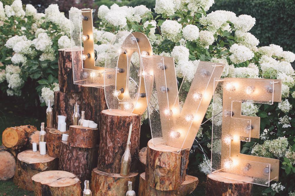love sign, wedding decoration, diy