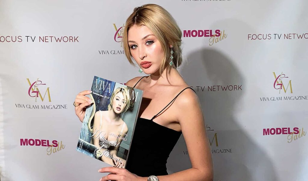 models-talk-episode-13-interview-with-darian-dali-cover-model-viva-glam-magazine-main-image